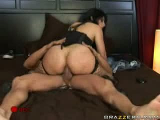 Brazzers - karstās brunete fucks viņai boyfriends būt.