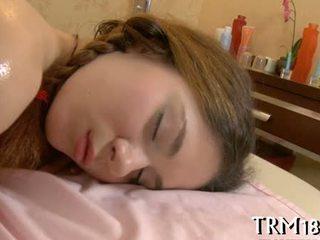 Waking アップ a 睡眠 巨人