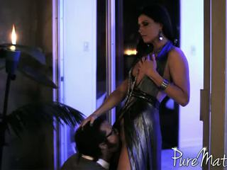Nasty India Summer shows off her sex talent