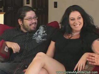 Slutty abielus naine rides riist pov