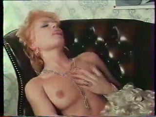 Ekstrēms services aka castle no prieks, porno 79