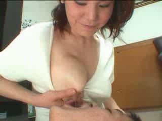 Warga jepun ibu breastfeading video