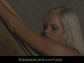 Innocent heet blondine slaaf meisje intensely whipped in bdsm tonen