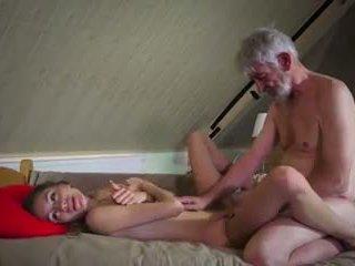 Vecchio e giovane cazzo: vecchio cazzo giovane porno video 90