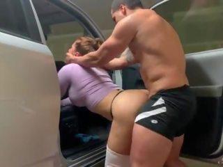 jauns, big boobs, aptuvens