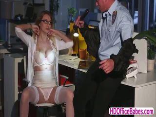 Seductive siren natalia starr זיון a hunk אבטחה guard ב the משרד