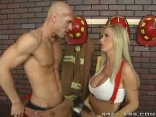 terpanas big boobs rated, tittyjob lihat, penuh besar tits kesenangan