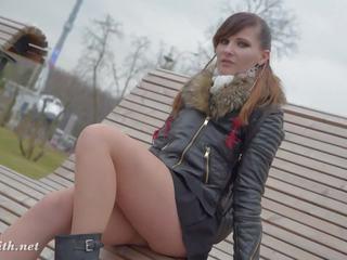 Jeny smith seamless strumpfhose öffentlich unter den rock: kostenlos porno 7d