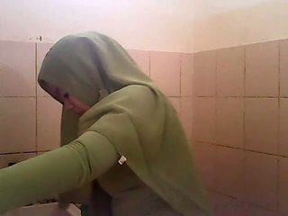 間諜 gagal jilbab hijau