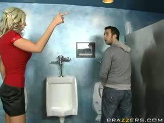 Dronken milf sucks in toilet!
