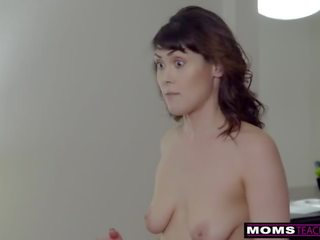 Momsteachsex