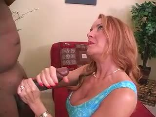 Seksuālā mammīte amatieri sieva starprašu kukolds handjob