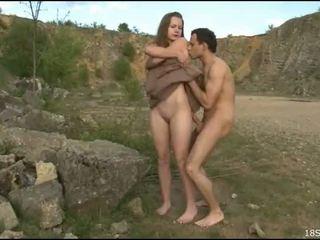 Poredne guy gets undressed