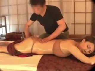 اليابانية, كبير الثدي, فاتنة