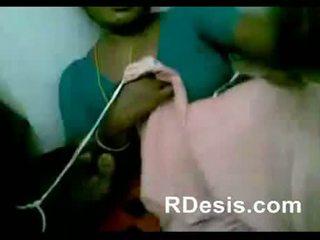 Chennai india seksikas teenija mängima koos houseowner