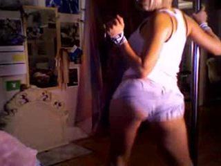 Aisha var dance