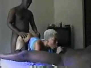 Amateur threesome 424