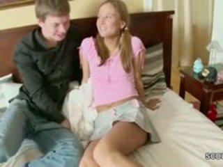 Broer betrapt tenger step-sister en tonen hoe krijgen zwanger
