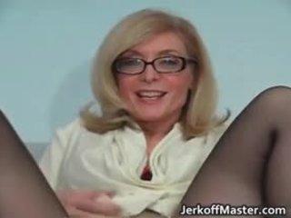 Szexi bevállalós anyuka nina hartley stripping