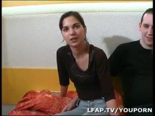 Двойка аматьори francais pratiquant la содомия