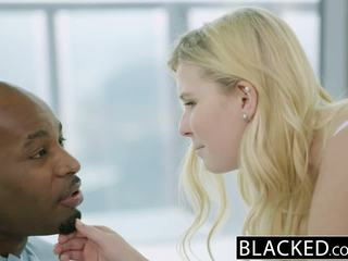 Blacked blond teismeline melissa võib fucks tema moms boyfriend