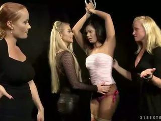 Vroče slavegirl getting kaznovani