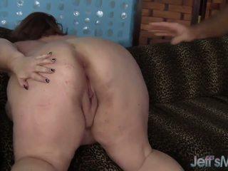 Rijpere bbw dame lynn takes op een vet lul