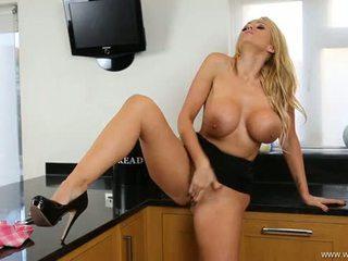 Lucy zara seksuālā striptease un trieciens darbs