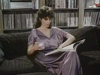 Kay parker مارس الجنس في حين مراقبة الاباحية