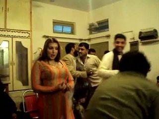 Pieptoasa pakistanez fata dansand în privat spectacol