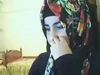 Hijab meitene rāda pakaļa par vebkāmera arab sekss kanāls