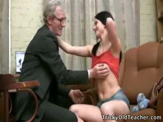 college sex, gammel ung sex, seduced by my stepmom