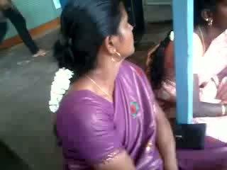 Satin svila saree aunty, brezplačno indijke porno video 61