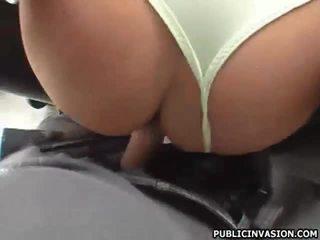 Sexy babe hard pijpen