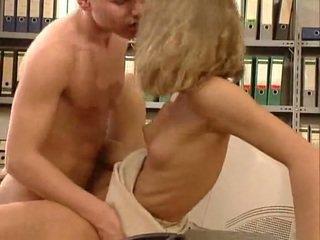 ドイツ語 非常に ホット オフィス セックス. 美しい hottie