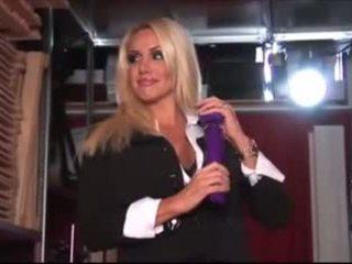 блондинки, секс-іграшки, стриптиз