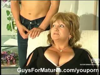 tetas grandes, alemán, las mamás y los niños