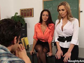 Velika titted teachers zapeljitev njihovo learner v seksi 3 nekaj