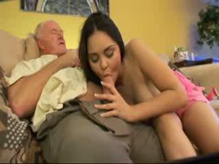 I vjetër baba qij fqinji youngest vajzë video