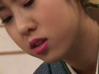 Chinatsu nakano - 23 yo kuliste geisha islak gömlek