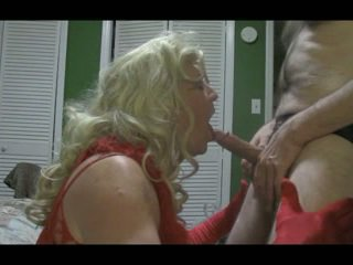 Blonde crossdresser blows grand bite dur
