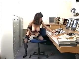 Dianna Wynn Busen: Free British HD Porn Video 95