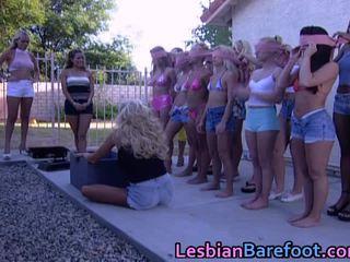 Sexy heet lesbisch licking party