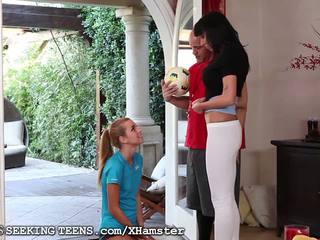Jessie rogers knullet av par etter fotball: gratis porno 6d