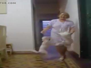 Smieklīgas vecmāte rains: bezmaksas vecmāmiņa porno video 25