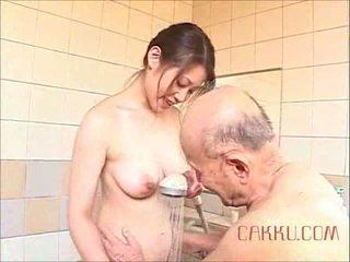 Maki tomoda old man and betje eje 2