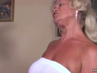 gros seins, mamies, matures