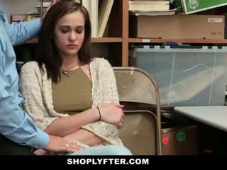 Shoplyfter - äiti ja tytär pyydettyjen ja perseestä varten stealing