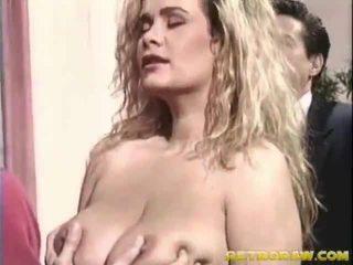 นมโต หญิง ข้างใน the เซ็กส์หมู่ 3 คน