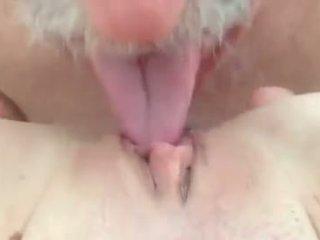 I love ngisep and licking burungpun.